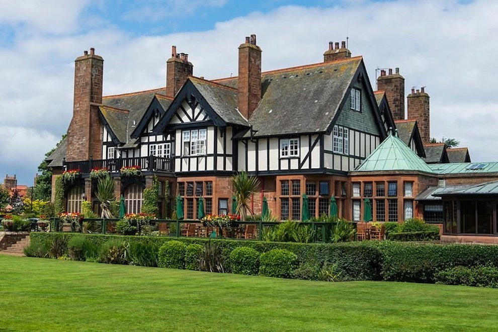 Front view of Tudor looking Piersland Hotel and stunning gardens..